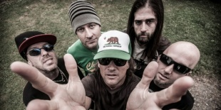 Ugly Kid Joe a Barba Negra Trackben!