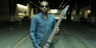 Death Of Roses European Tour - Tony MacAlpine a Durerben